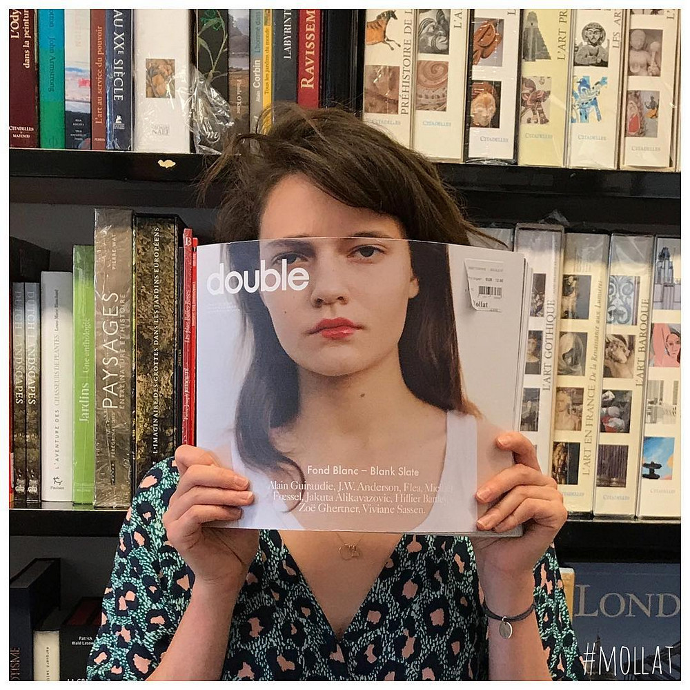 Book_Face_kreativnye_snimki_s_oblozhkami_knig 14