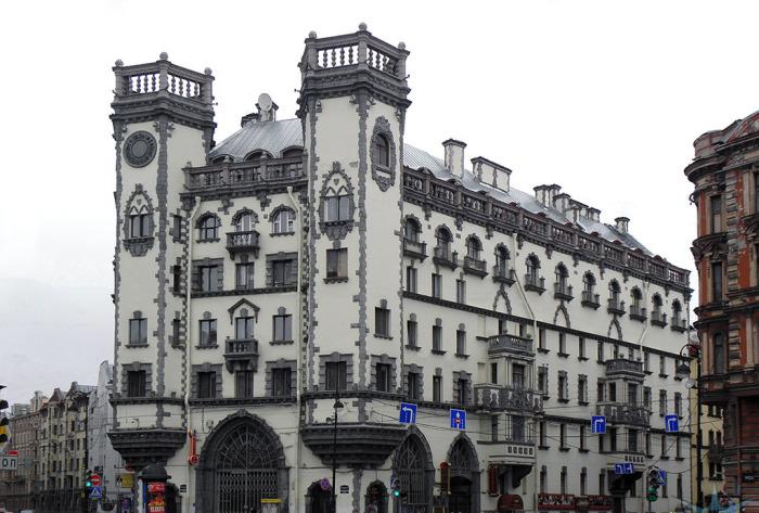 Дом с башнями в Питере_ Здание в стиле английских замков_ которое выдержит даже взрыв фугасной бомбы