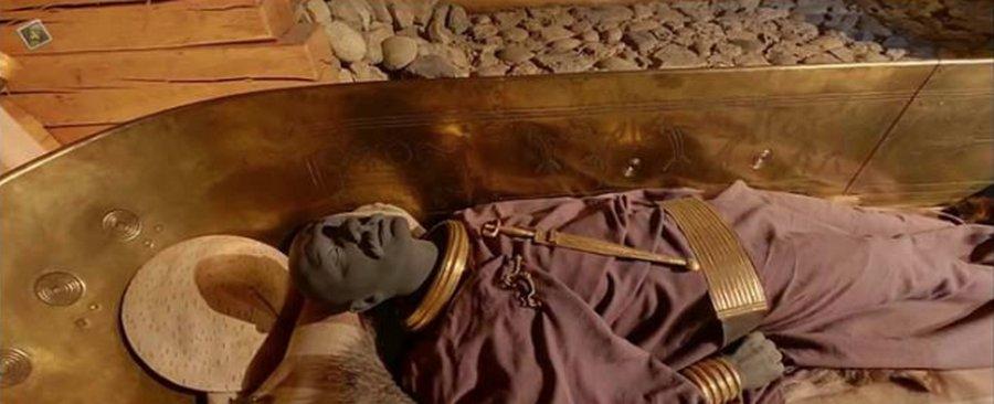 Кельтский вождь и его шикарные золотые ботинки (3)
