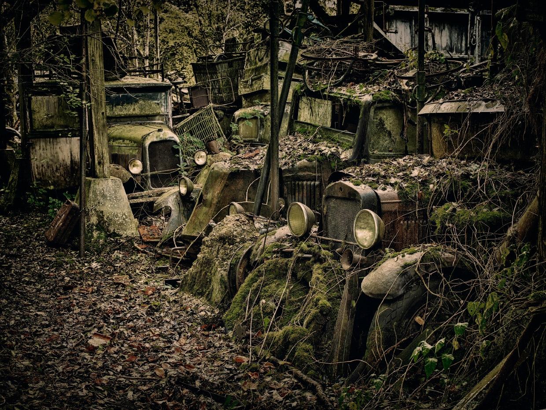Мистические автомобильные кладбища в разных странах (1)