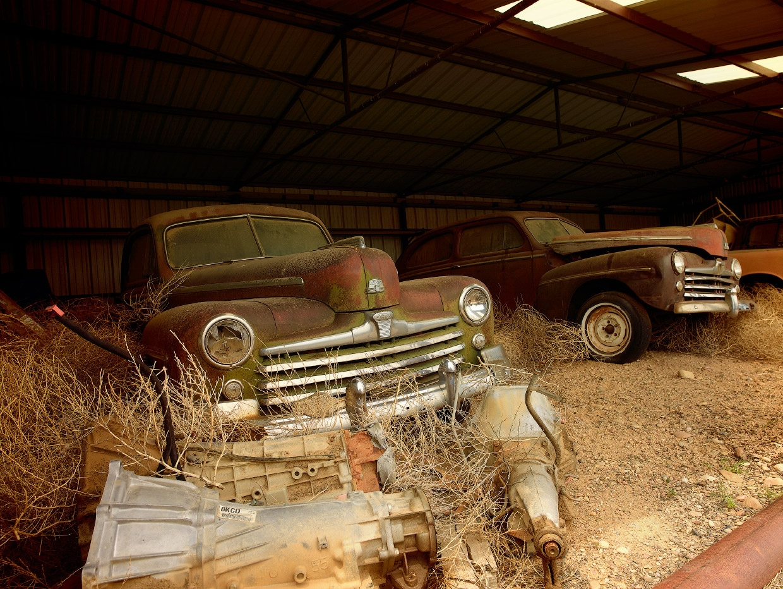 Мистические автомобильные кладбища в разных странах (8)