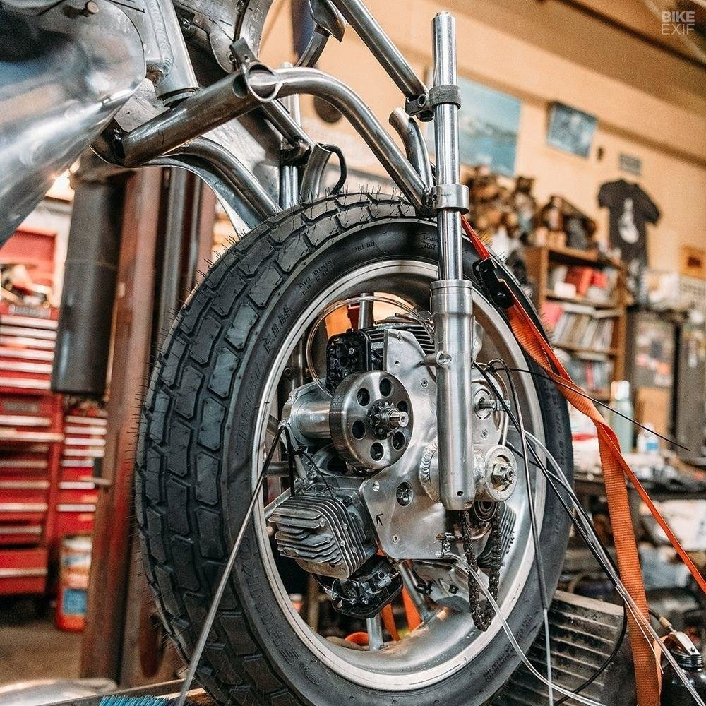 Невероятно красивый мотоцикл_ реплика немецкого Killinger und Freund в стиле арт_деко (12)