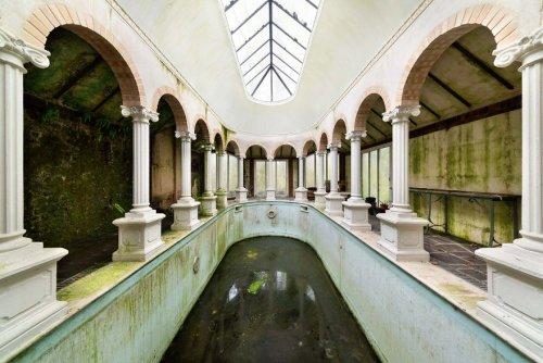 Одни из самых красивых заброшенных мест в мире через объектив фотографа Jahz Design (12 фото) (6)