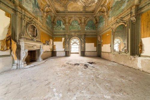 Одни из самых красивых заброшенных мест в мире через объектив фотографа Jahz Design (12 фото) (7)