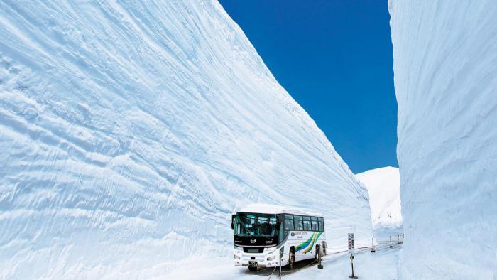 Прогулка по Tateyama Kurobe Alpine (13 фото)