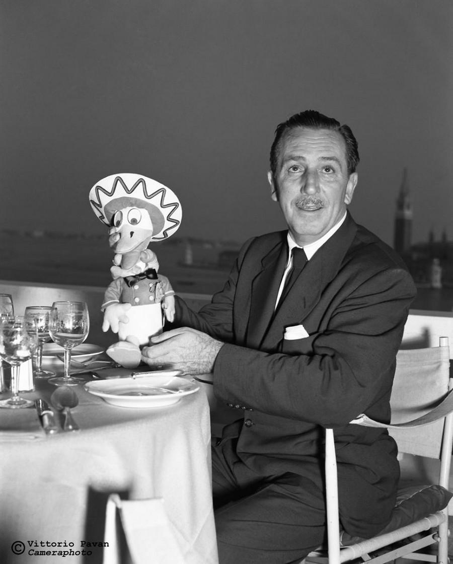 Редкие фотографии известных людей_ отдыхающих в Венеции в 1950_60_е годы 15