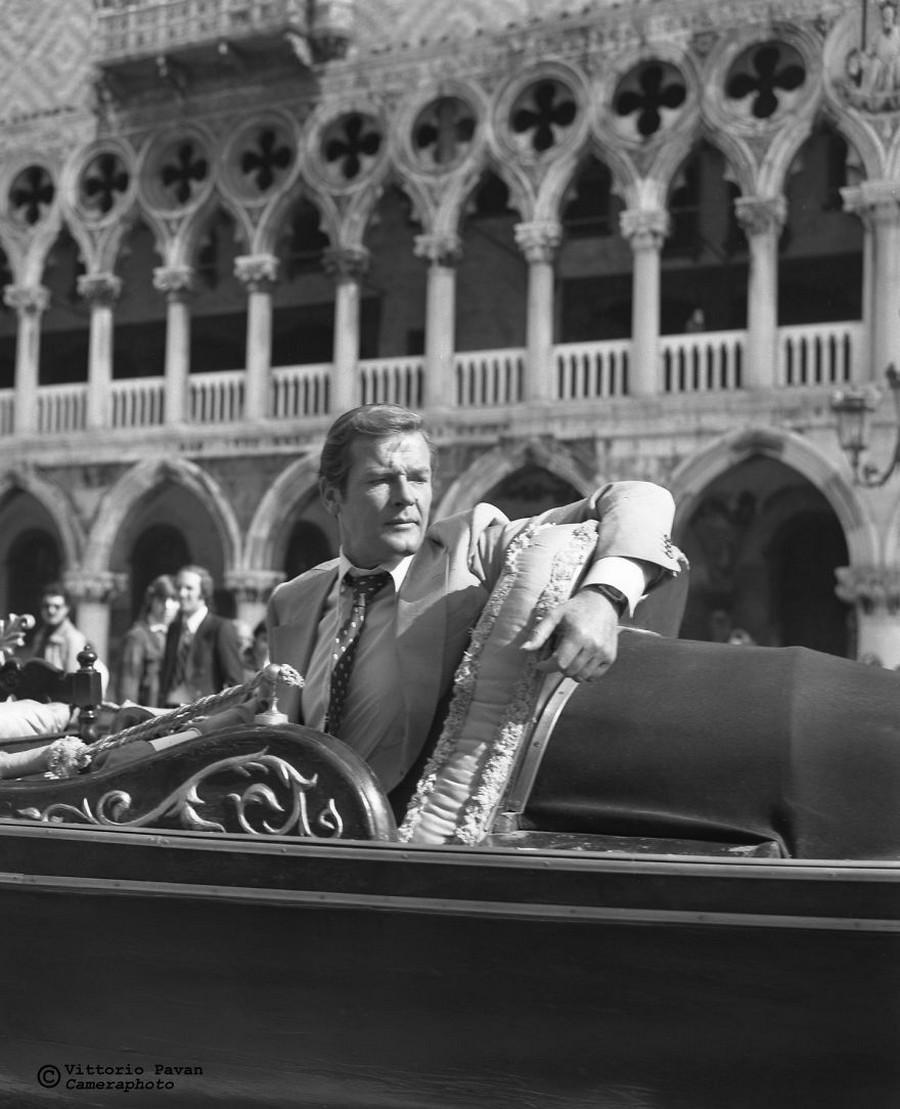 Редкие фотографии известных людей_ отдыхающих в Венеции в 1950_60_е годы 18
