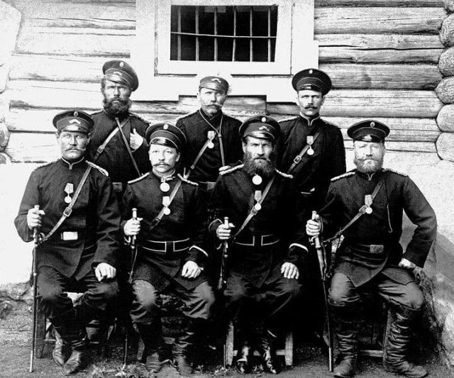 Рабочие лесозавода перед отправкой на фронт Первой Мировой, Россия, 1914 год