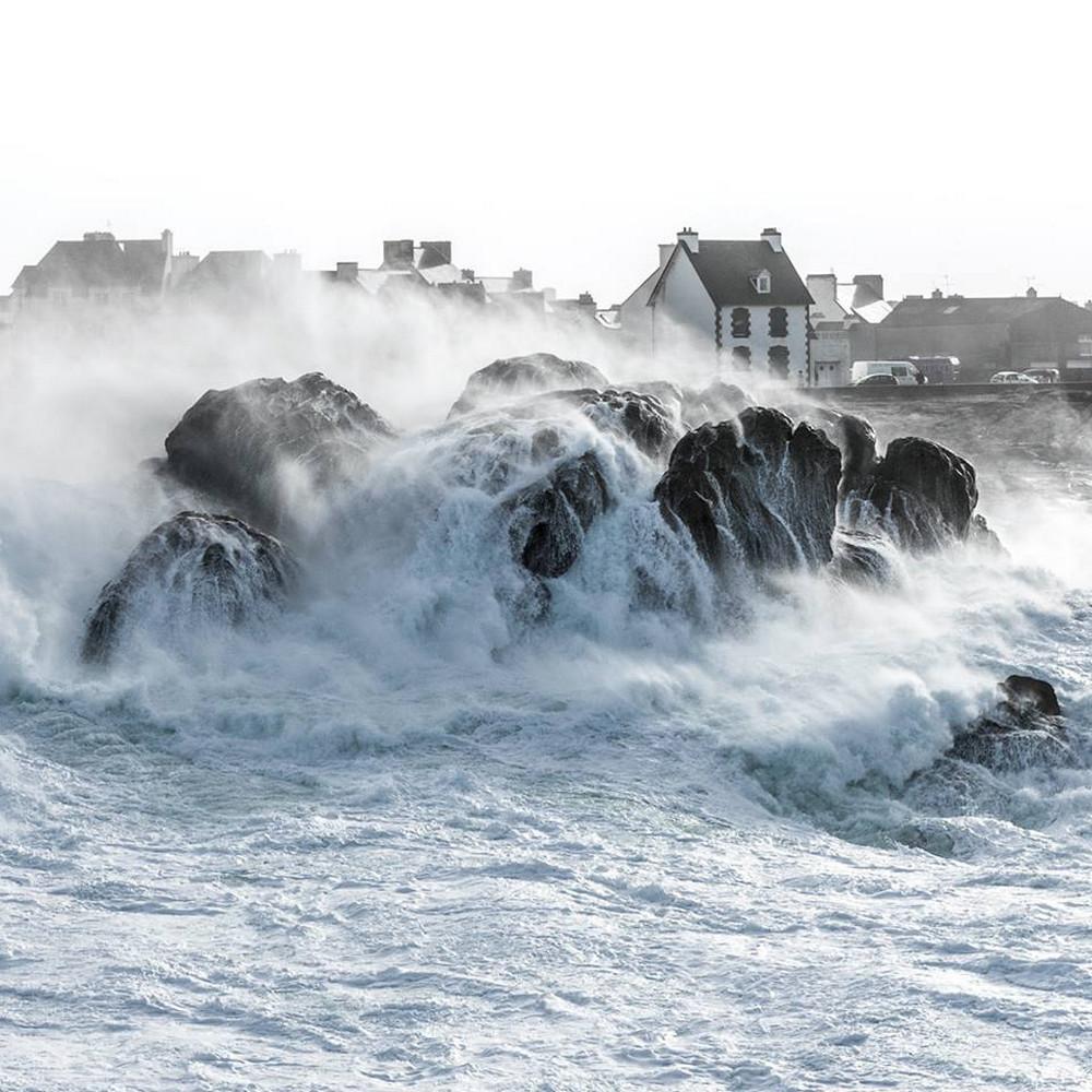 Маяки и крепости на побережье Франции в фото Матье Риврина