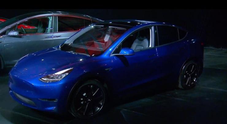 Tesla презентовала кроссовер Model Y (4 фото) (4)