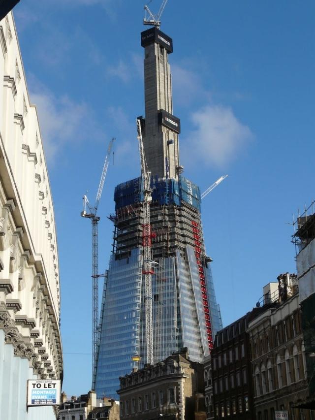 Всемирно известные здания и памятники архитектуры на этапе строительства (20 фото) (7)