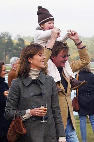 Каролина с Эрнстом и их дочерью Александрой в Париже, 2003 год