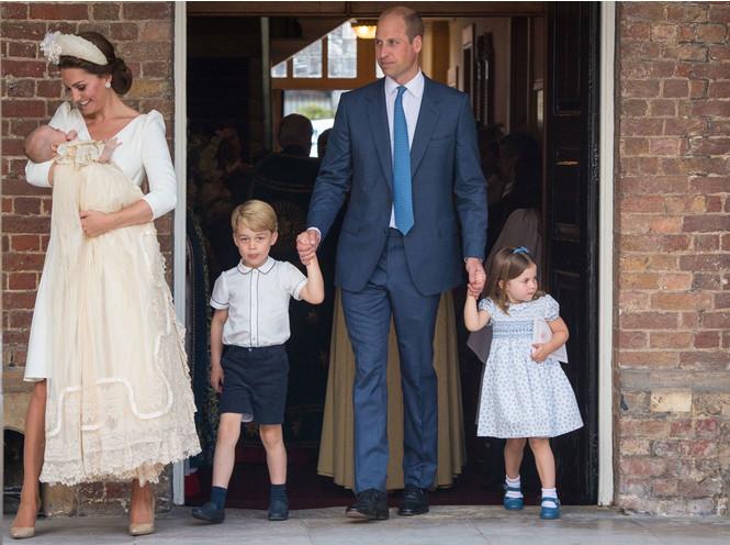 Герцоги Кембриджские с детьми: принцем Джорджем, принцессой Шарлоттой и принцем Луи, 2018 год