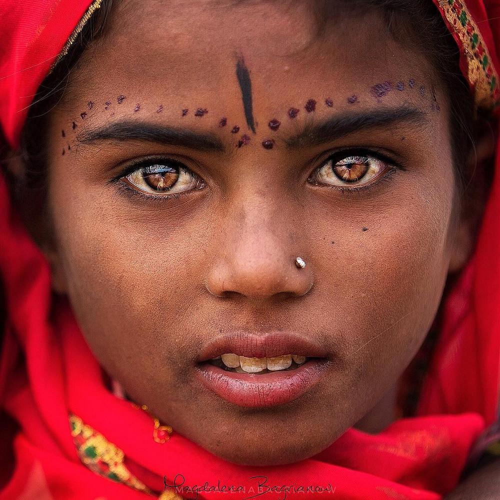 Глаза – зеркало души: удивительные портреты жителей Индии