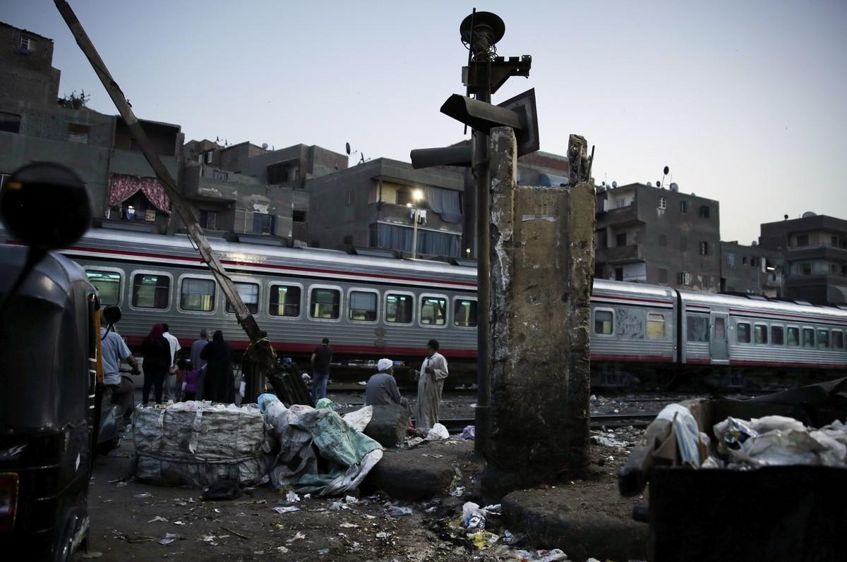 Egypt Abandoning Cairo