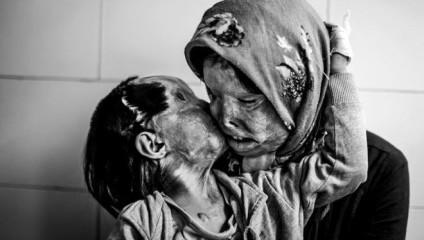 8 поражающих до глубины души фото про то, что значит быть человеком