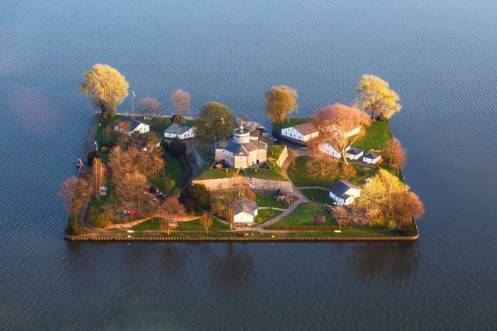 Остров Вильгельмштайн (Германия)