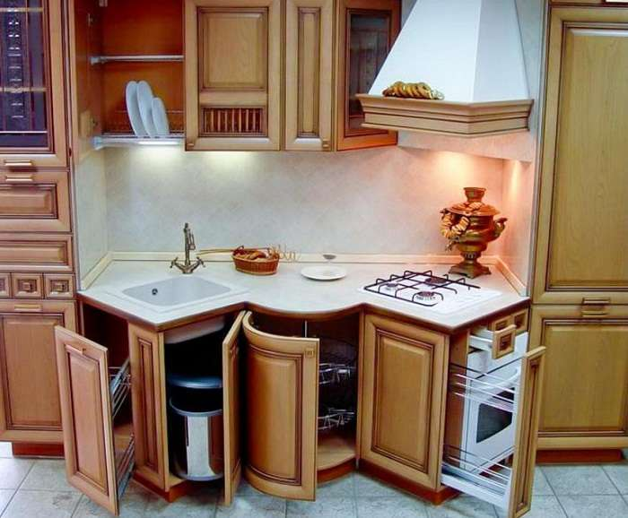 7_furniture_in_kitchen