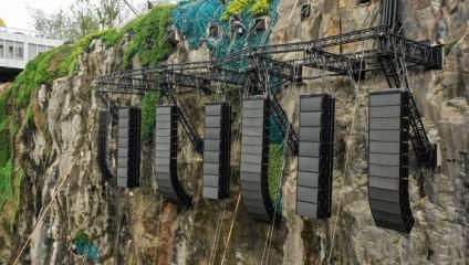 В Китае таки открыл свои двери отель в карьере, спускающийся под землю аж на 90 метров