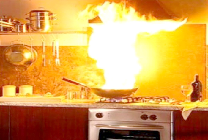 «Как думаете, это можно считать средним огнем или это уже большой?»
