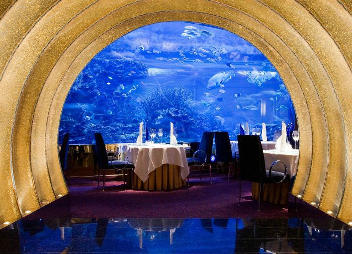 Скромный ресторанчик под водой