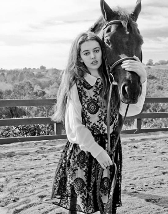 Никого не смущает то, что у лошади нет тела