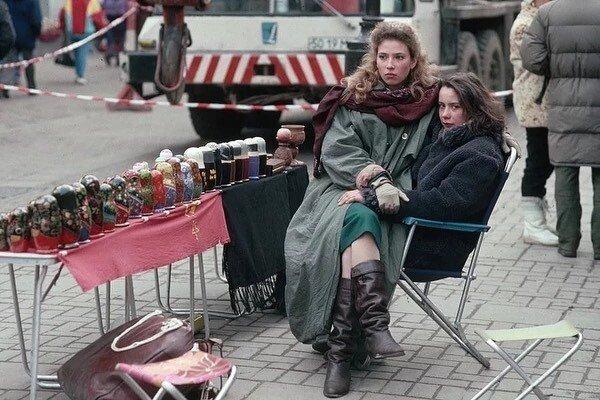Уличные торговцы 90-ых