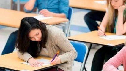 Почему в США в школе дети сидят по одному, а в России по двое?